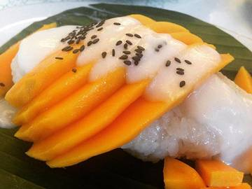 My Lunch. Mmmm... Yummy ? #mangostickyrice #lunch #yummy #healhtyfood #instafood #recommended