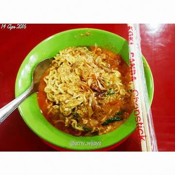 Finally #indomie #indomiebecek #warkopiwan #multatuli for #dinner #instant #noodles #yummy #delicious #makanmana #kulinermedan #igers #igfood #igmania #instagram #instafood #instamania #foodie #foodlover #foodmania #foodgasm #14apr2016 #april #thursday #medan #indonesia #localfood