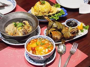 Still on holiday mood 😄 Dinner Thai cuisine @jittlada.group - Glass Noodle Prawn - Pineapple Fried Rice - Pandan Chicken - Tom Yam Kung 📍Jittlada, Senayan City #imfattytummy #jittlada #thaicuisine #senayancity #jktfoodbang #zomato #nibbleapp