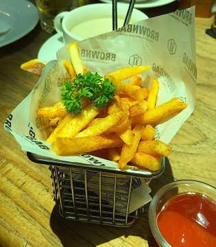 simply fries! #frenchfries #crispy #spicy #chilli #yummy #crunchy #tasty #instagood #instafood #foodie #foodiegram #foodgram #cemilan #jajanjakarta #igfood #snack #foodshare #foodtography #potato #foodpicture #foodphotography #foodpost #foodoftheday #foodpic