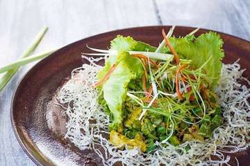 This is one healthy meal that you should not miss when coming to our restaurant. Vegetable mixed with Balinese spices at its best!  #torotororestaurant #torotorobeachrestaurant #grilledchicken #traditionalfoof #indonesianfood #foodporn #instafood #foodgasm #foodblogger #delicious #balinesefood #healthyfood #healthy #sanur #bali #lawar