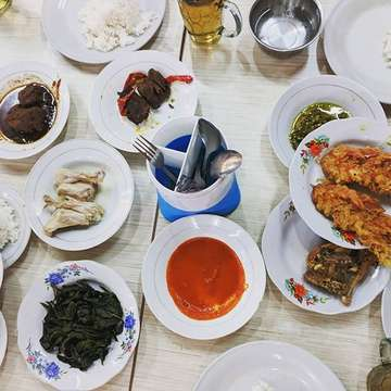 Finally, a full set of nasi padang #nasipadang #padangfood #indonesianfood