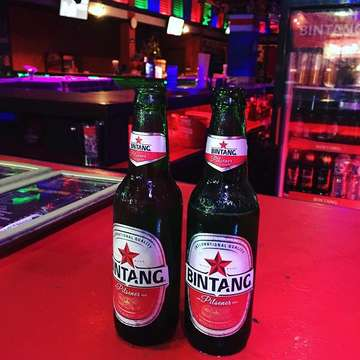 Paddy's pub is always a good place to start in kuta when it's buy one get one free!  #bintang #balidaily #indonesia #balikuta #adventure #adventuretime #travel #travelblogger #photography #traveling #hotel #holiday #instagood #travelgram #wanderlust #vacation #instatravel #view travelling #travellerau #TLPicks #traveldeeper #theglobewanderer #passionpassport #roamtheplanet #solotravel #traveler #balitourism #beach #indonesia #bali