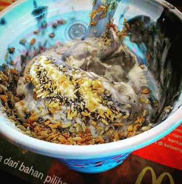 McFlurry Coconut Charcoal