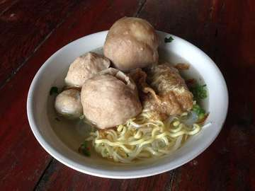 🏠 : Bakso Gulung Bragi Jalan Palayu Raya No.21, Bogor 🍛 : /5  Do Follow Media Partner : @lagenshol @dankeboutique @partum.id  #ReGram #Foodies #Yummy #FoodStagram #InstaFood #Instagram #PhotoOfTheDay #InstaPic #Indonesia #Bogor #Recommended #Food #World #Tasty #Foodie #Delicious #Repost #FoodGasm #InstaGood #LikeForLike #Like4Like #FoodLover #FoodPhotography #Eat #Eating #FoodPics #FoodPic #FoodPorn #GoodFood #InstaDaily