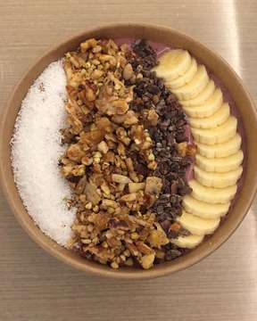 Accai berry smoothie bowl 🍓🍒 #smoothiebowl #smoothiebowls #cocobeetjkt