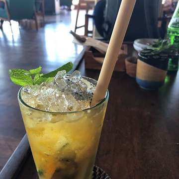 Midday Mai Tai at the Potatohead Beach Club #cocktails #bali #beach #holiday #fun