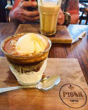 Best Affogato Ever! ☕️🍦🍫 #pisoncoffee #coffeetime #affogato #caramelmacchiato #explorebali #coffeelover #welovebali #awayfromthecity #holiday #bali #balilife #restandrelax #hillandgail #holidayfun #couplelove #anniversarytrip #workhardplayhard #travel #travelphotography #foodlover #foodie #foodporn #fooddiary #yummyinmytummy #whati8today #foodgasm #instafood #igfood #nomnom #balicafe